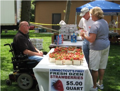 Dzen Farms Proudly Supplying The 2015 South Windsor Strawberry Fest!